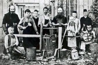 Уместо манастира, фабрика ћебади