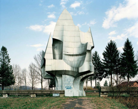 old-monuments-yugoslavia-spomeniks-jan-kempenaers-9.jpg