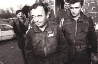 Манојло Миловановић1 СТВАРАЊЕ И РАЗВОЈ ВОЈСКЕ РЕПУБЛИКЕ СРПСКЕ У ТОКУ ОДБРАМБЕНО ОТАЏБИНСКОГ РАТА У БИХ 1992. ДО 1995. ГОДИНЕ