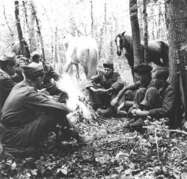625px-Partizani_na_Papuku_1944.jpg