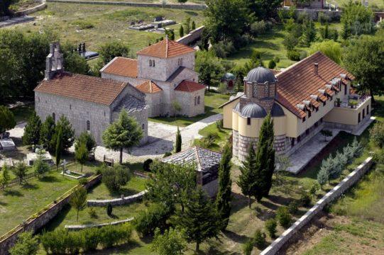 Petropavlov-Manastir-1.jpg